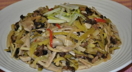 Pickled_Mustard_with_Pork_Tripe
